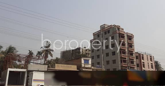2 Bedroom Flat for Rent in Halishahar, Chattogram - Move In This 800 Sq Ft Well Fitted Flat Which Is Located At Halishahar, For Rent