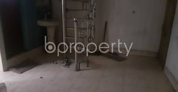 3 Bedroom Flat for Rent in Bangshal, Dhaka - Choose your destination, 550 SQ FT flat which is available to Rent in Bangshal