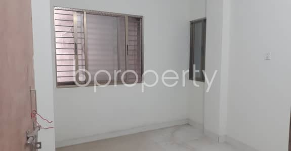 2 Bedroom Flat for Rent in Bangshal, Dhaka - In A Pleasant Place Of Bangshal, There Is A Living Place For Rent With Satisfactory Price.