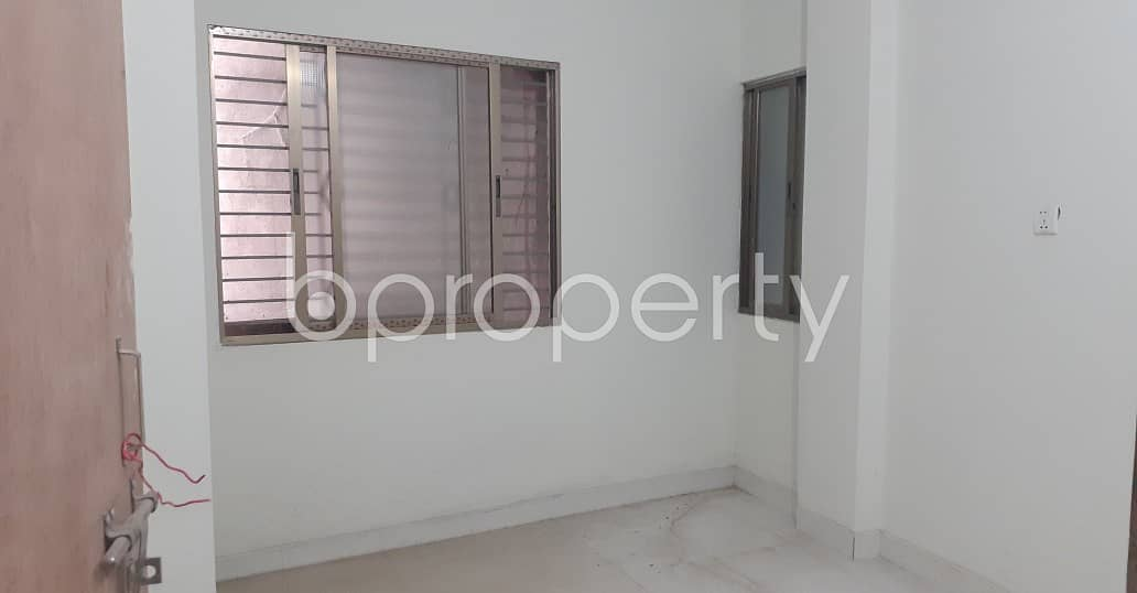 In A Pleasant Place Of Bangshal, There Is A Living Place For Rent With Satisfactory Price.