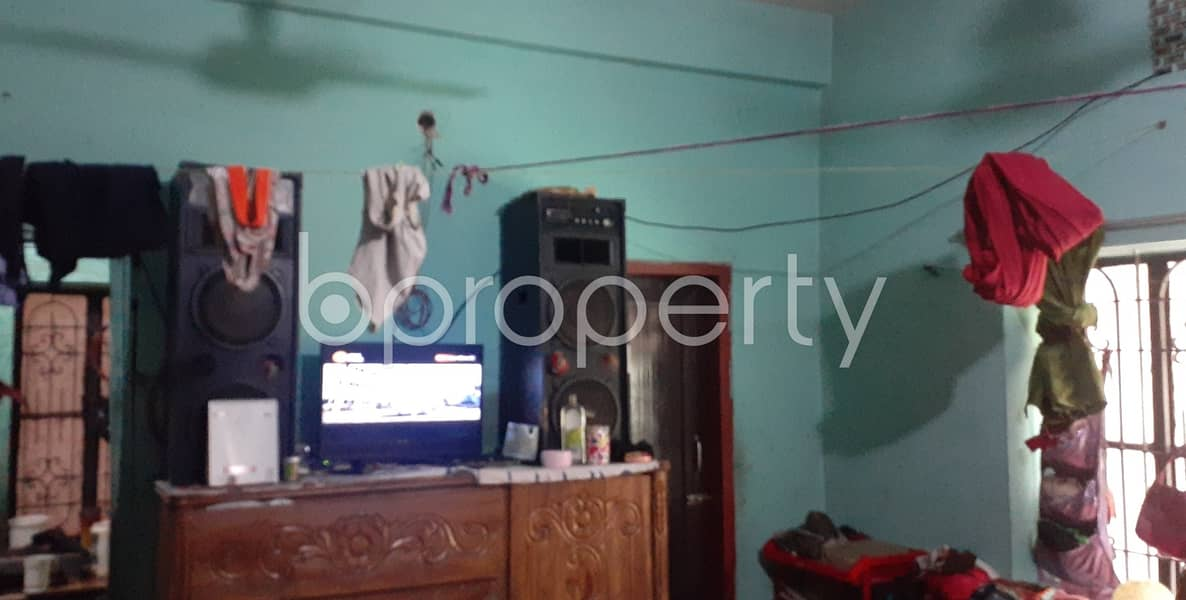 Covering 800 Sq Ft Space A Nice Flat Is Ready To Rent In Kazir Dewri