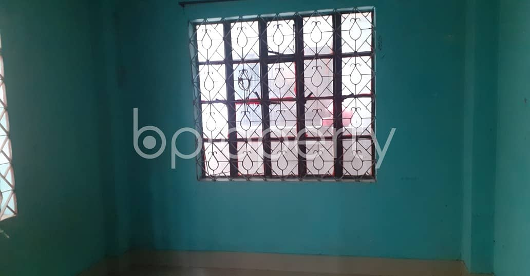 Take rent of a nicely done 600 SQ FT residential apartment located at Lal Khan Bazaar