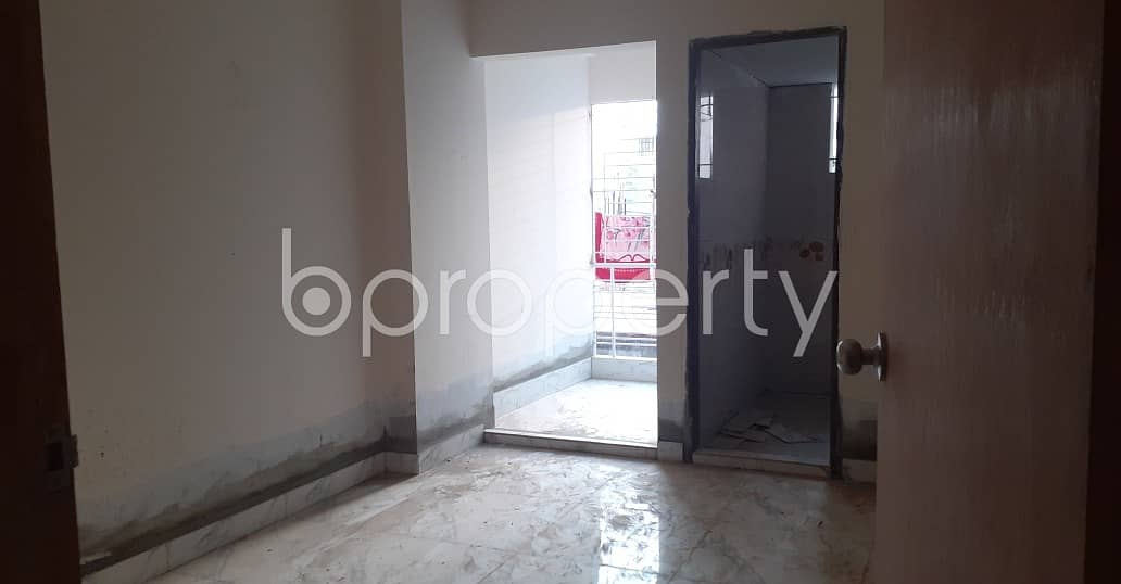 Flat For Sale Covering A Beautiful Area In East Faydabad