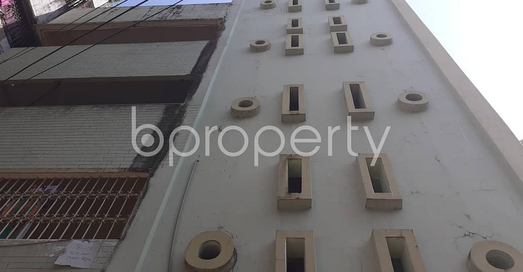 Start Residing In This Properly Developed Flat For Rent, In Alkaran Road, Near Alkaran Boys Government Primary School