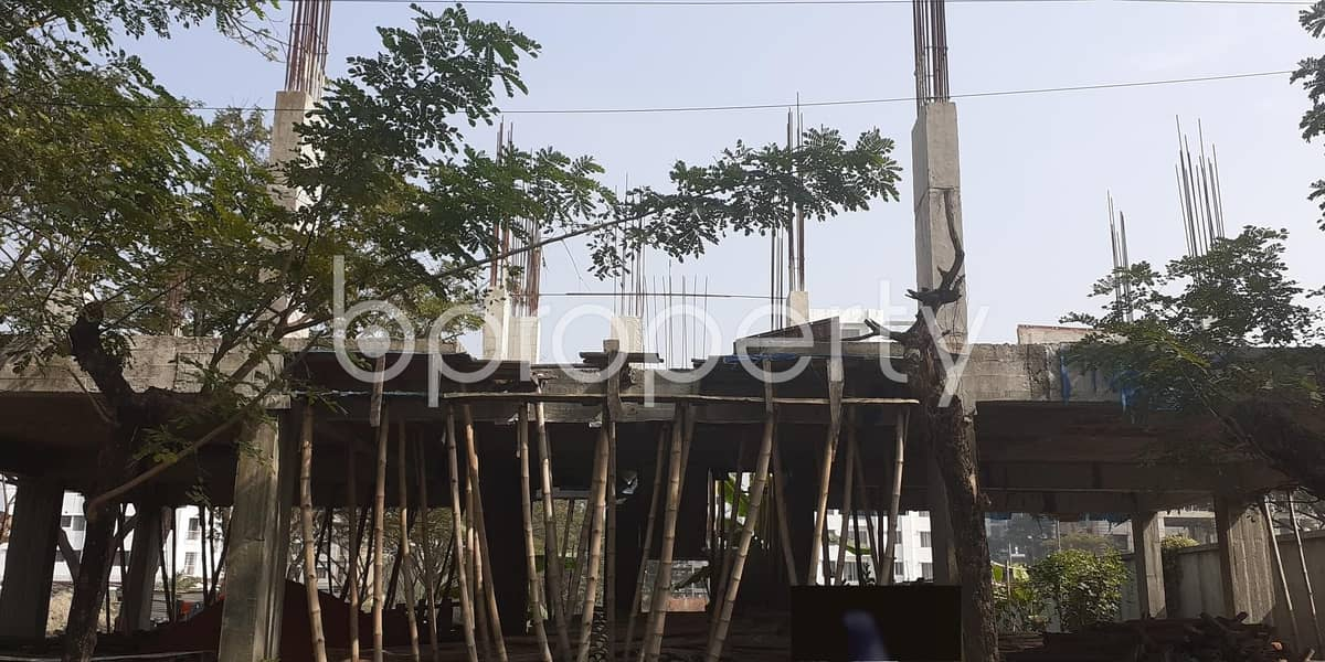 This Apartment At Bashundhara R-A, Near Center For Islamic Economics Madrasa Mosque Is Up For Sale