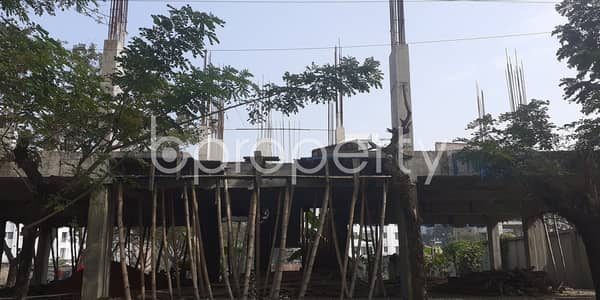 1375 Square Feet Apartment For Sale In Bashundhara R-A Near Center For Islamic Economics Madrasa Mosque.