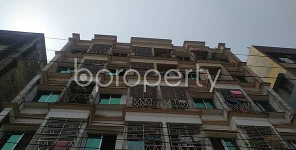 Offering you 1400 SQ FT flat for sale in Bayazid