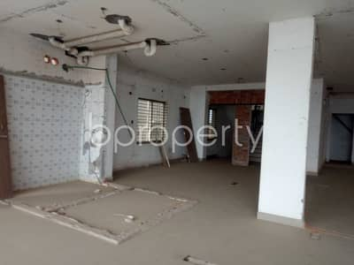 Floor for Rent in Uttara, Dhaka - Take This Commercial Property Of 1900 Sq Ft For Rent Located In Uttara, Sector 12.