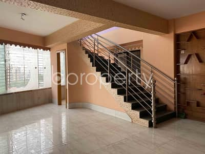 4 Bedroom Duplex for Rent in Bashundhara R-A, Dhaka - Residential Duplex