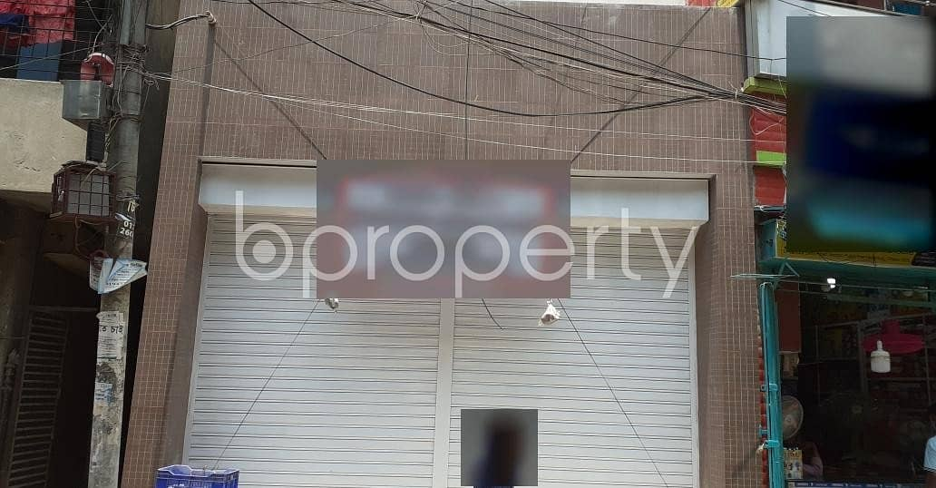 A 600 Sq. ft Commercial Shop Is For Rent In Hazaribag Very Next To Nababgonj Boro Masjid.