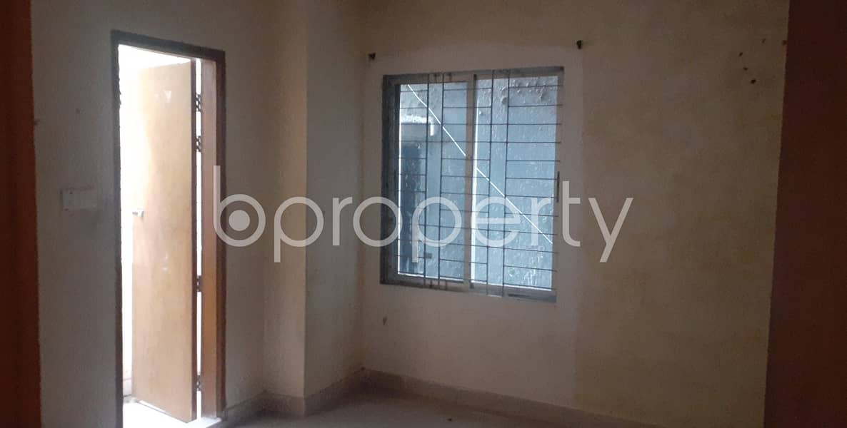 A Nice Flat Comes With 900 Sq Ft Space For Rent In The Location Of Kazir Dewri
