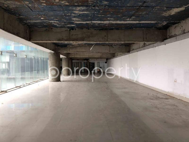 10 Commercial Inside