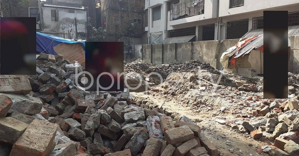 A Commercial Space Is Available For Sale In Mohammadpur Nearby Minar Masjid.