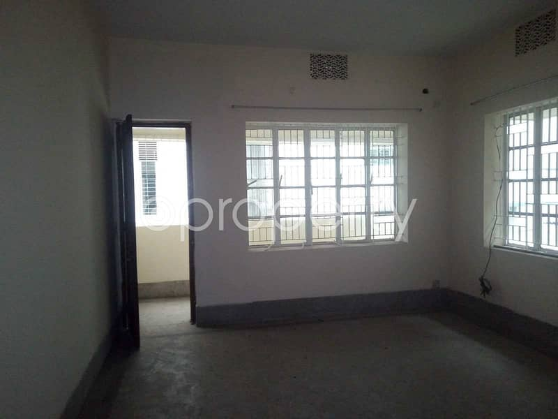 This flat in Panchlaish is up for rent with an area of 900 sq. ft