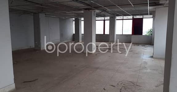 Floor for Sale in Hatirpool, Dhaka - Grab This 2045 Square Feet Open Floor For Sale In Hatirpool