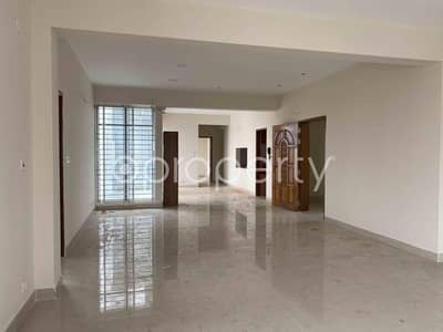4 Bedroom Flat for Rent in Bashundhara R-A, Dhaka - Residential Apartment