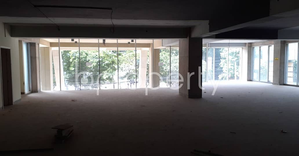 This suitable 4160 SQ FT office is waiting to get rented at Dhanmondi