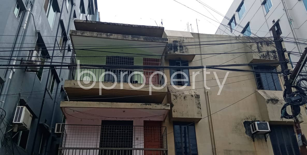 A worthwhile 1350 SQ FT residential flat is ready for rent at Halishahar