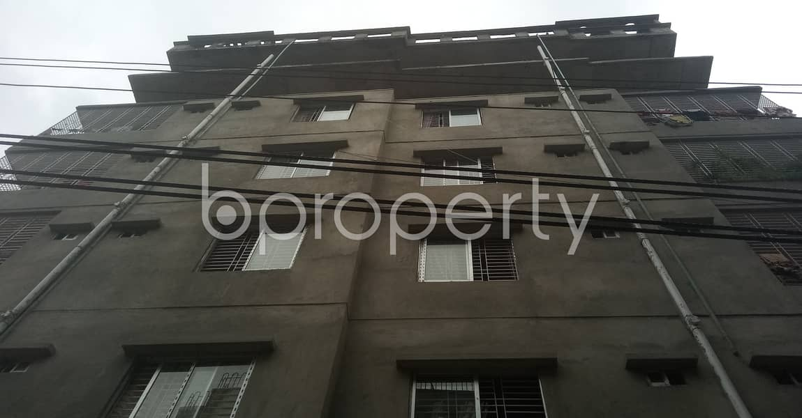 An affordable 600 SQ FT home is vacant for rent at Doniya