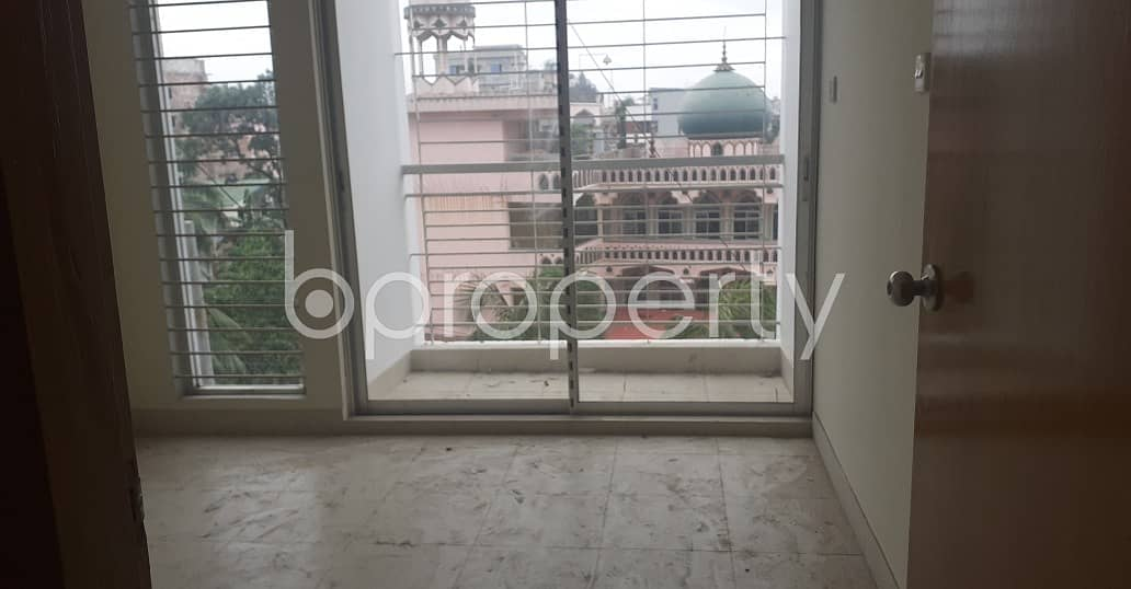 Attention Home Finders! A 1435 Sq. ft Flat Is Up For Sale At 19 No. South Bakalia Ward .