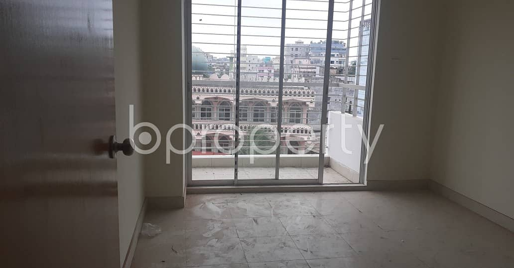 Comfortable, Convenient And Well-constructed 1275 Sq. Ft Flat Is Ready For Sale At 19 No. South Bakalia Ward.
