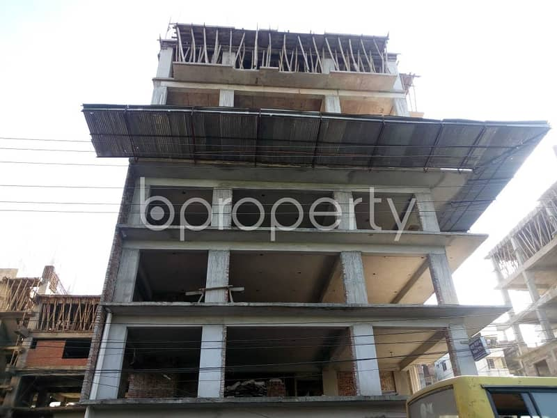A Commercial Office Is Up For Sale Located In Banasree Near To Faizur Rahman Ideal Institute .