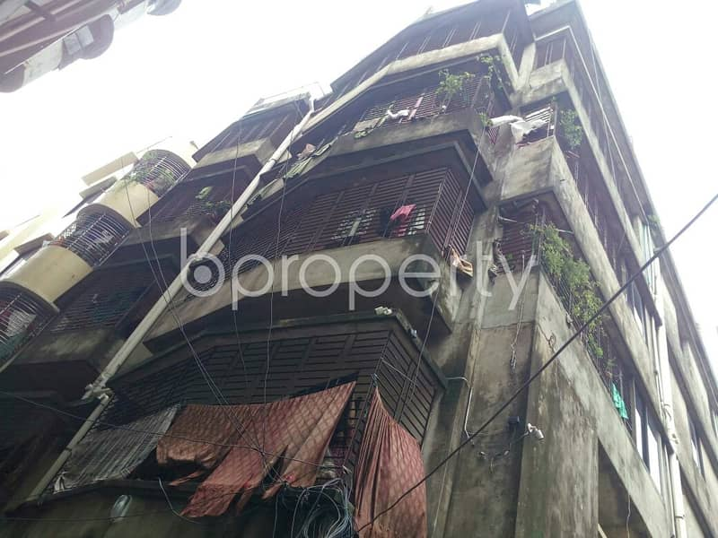 We Have A 800 Sq. Ft -2 Bedroom Flat For You In The Location Of Bahaddarhat .