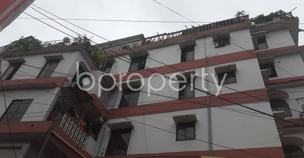 This convenient 600 SQ FT residential apartment is waiting to get rented at East Nasirabad