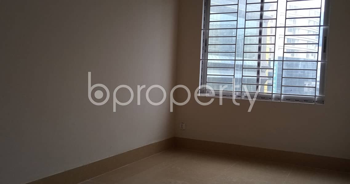 A Well Fitted 1500 Sq Ft Business Space Is Up For Rent In Kalabagan