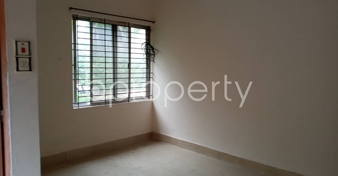 Great Location! Check Out This 930 Sq. ft Flat For Rent In Sholokbahar Close To Ahammed Mia Primary School