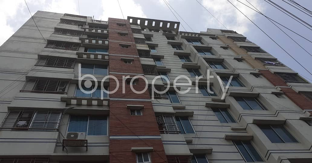 Built with modern amenities, check this flat for rent which is 1300 SQ FT in Lal Khan Bazaar