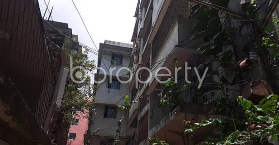 2 Bedroom Flat for Rent in 33 No. Firingee Bazaar Ward, Chattogram - Now you can afford to dwell well, check this 900 SQ FT apartment in 33 No. Firingee Bazaar Ward