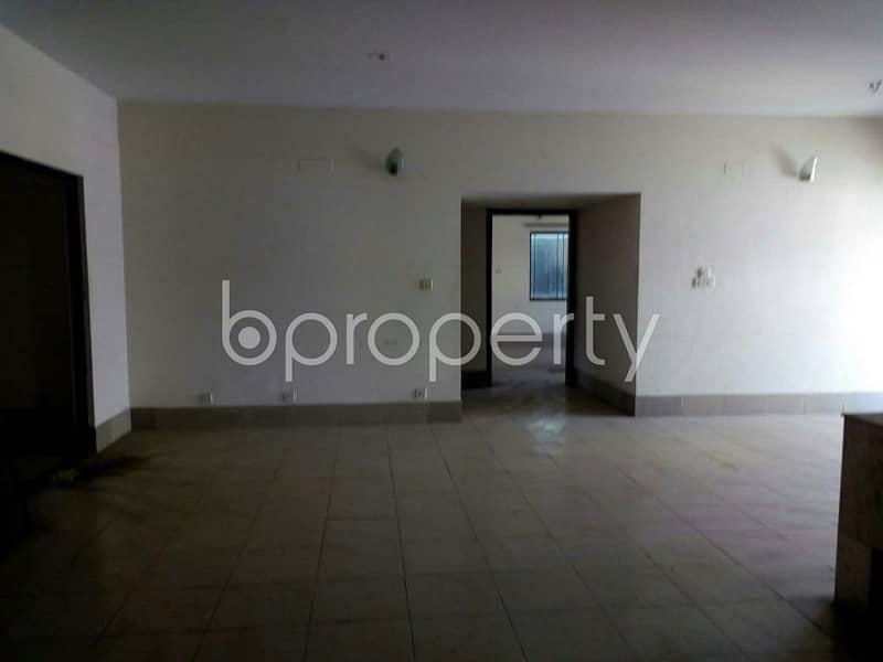 Start residing in this 2850 SQ FT, properly developed flat for sale, in Banani Road 2, near Dhaka International University