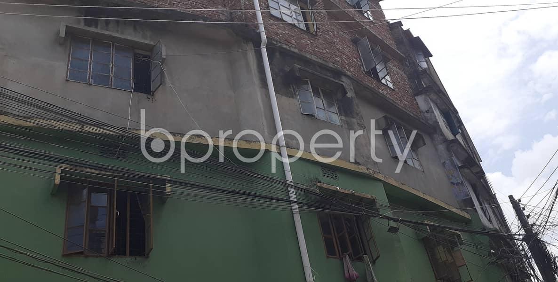Grab This 1000 Sq Ft Apartment To Rent In Batali Road