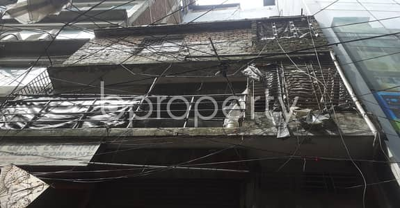 Shop for Rent in Bangshal, Dhaka - At Bangshal 200 Sq Ft Commercial Shop Is Available For Rent