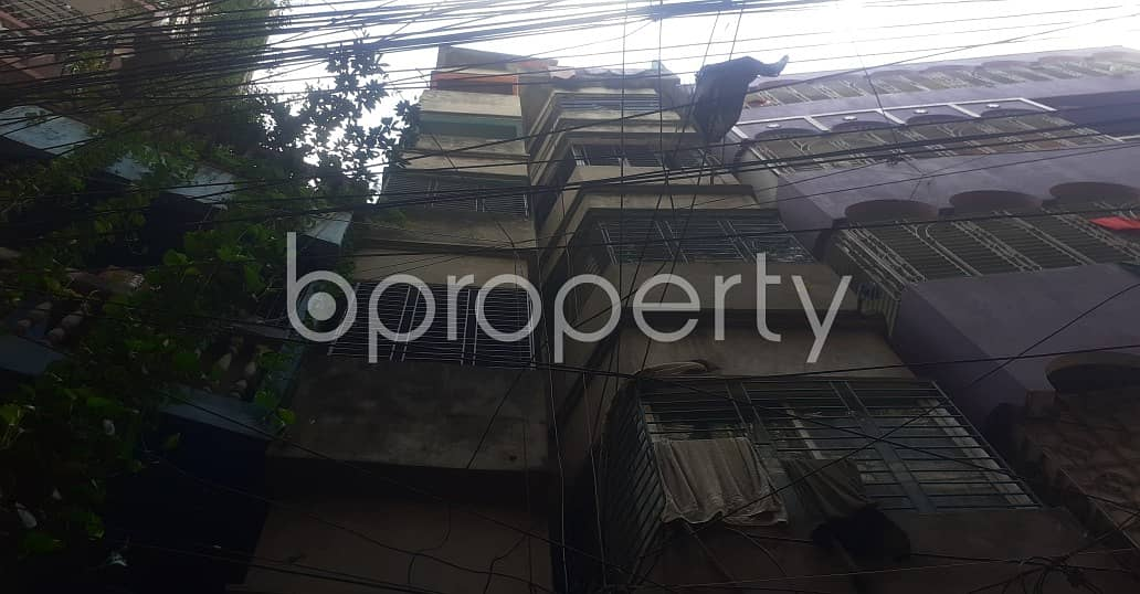 In Bangshal this flat is up for rent which is 500 SQ FT
