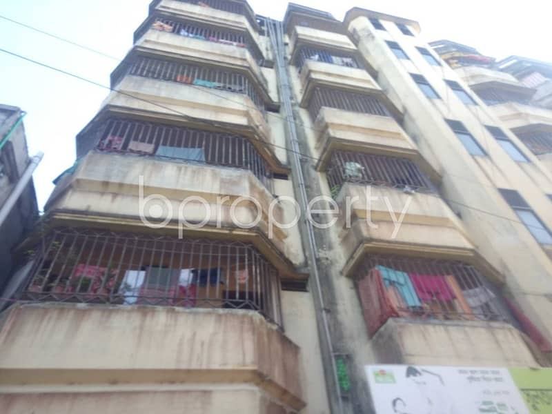 In Halishahar, A Decent Apartment Is Up For Rent