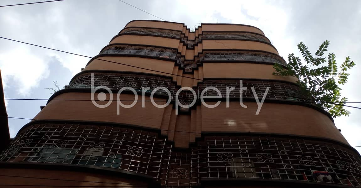 This Vacant Apartment Of 900 Sq Ft Situated In Muradpur, Is Up For Rent