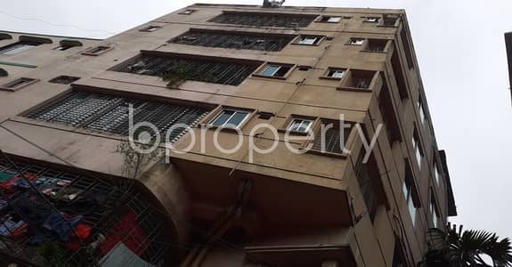 2 Bedroom Apartment for Rent in 9 No. North Pahartali Ward, Chattogram - An Adequate Apartment Of 850 Sq. Ft Is Up To Rent In 9 No. North Pahartali Ward .