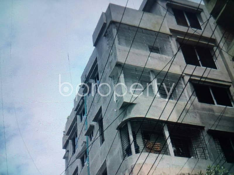 Built with modern amenities, check this flat for rent which is 1065 SQ FT in 25 No. Rampur Ward