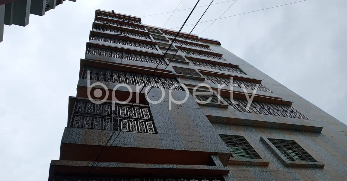 Take rent of a pleasantly done 900 SQ FT residential flat located at Muradpur