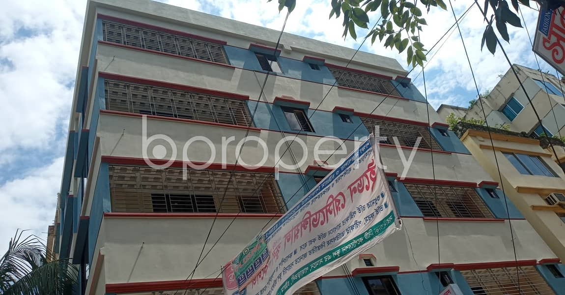 Be the resident of this 800 SQ FT flat vacant for rent at 11 No. South Kattali Ward