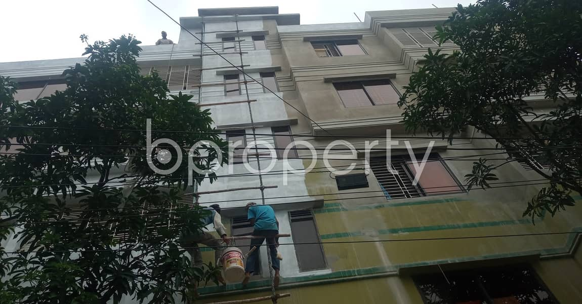 A worthwhile 700 SQ FT residential flat is ready for rent at 11 No. South Kattali Ward