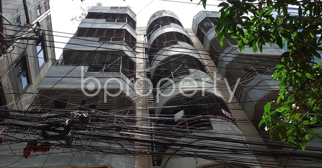 A very reasonable 850 SQ FT residential home is up for rent located at Kathalbagan