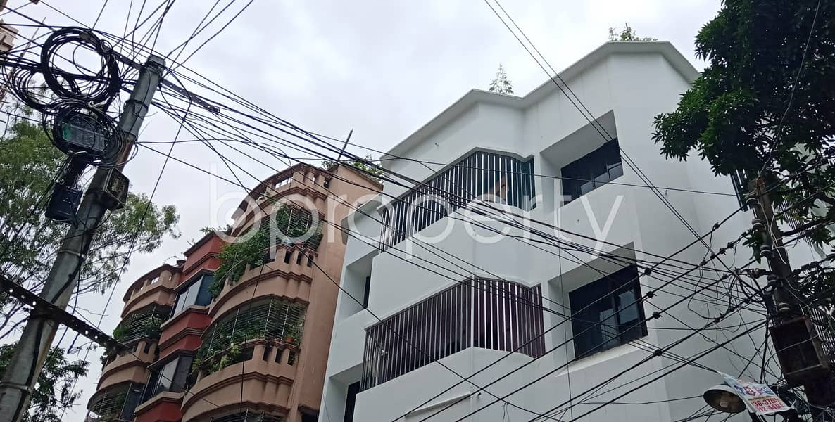 This small-sized 800 residential apartment is prepared to get rented at Halishahar