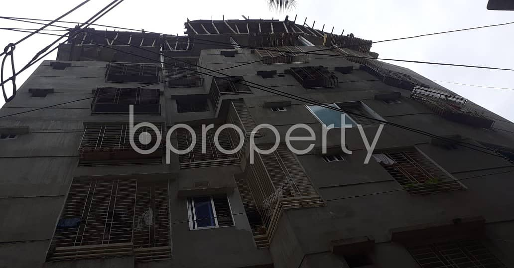 This Flat In Middle Monipur Near To Baitur Rowshan Jame Masjid With A Convenient Price Is Up For Sale
