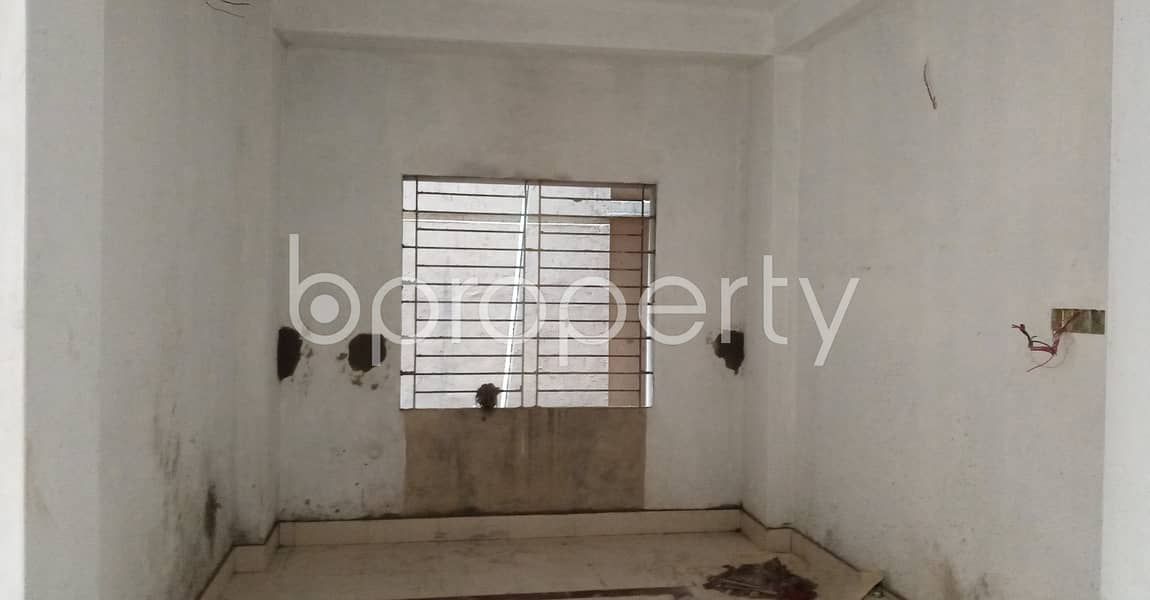 A Smartly Priced Apartment Which Is Up For Rent In 17 No West Bakalia Ward .