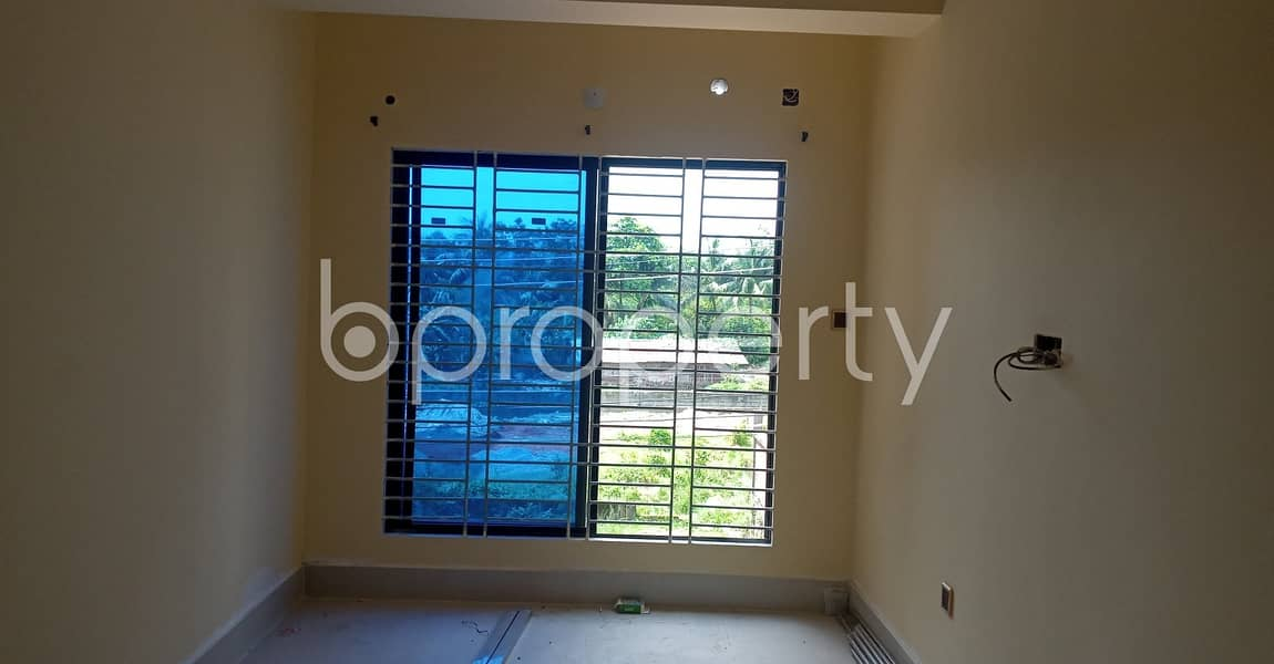 Lovely Apartment Covering An Area Of 950 Sq Ft Is Up For Rent In Kolpolok R/a