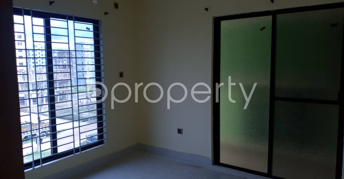 Situated In Kolpolok R/a, A 950 Sq Ft Nicely Planned Apartment Is Up For Rent