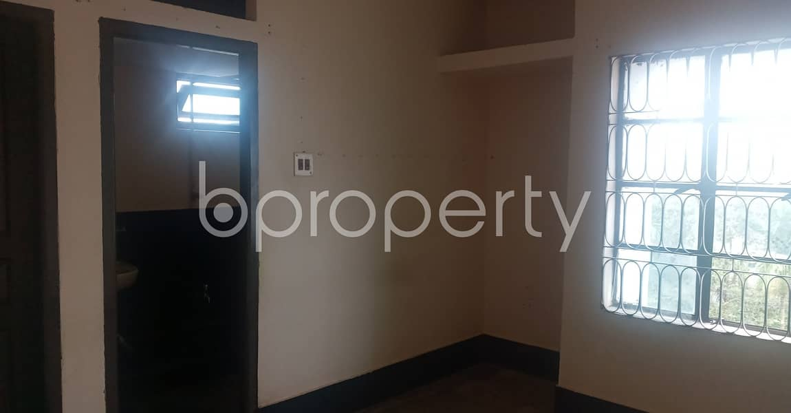 Bright And Cozy Apartment Featuring 900 Sq Ft Space Is Up For Rent In Sonar Para